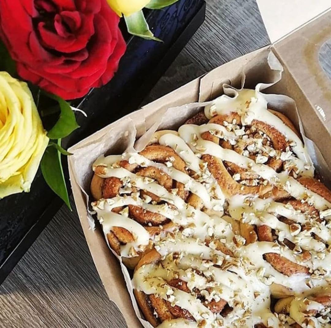 Pastry Box BW
