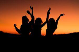 Girls Get Together For Mums To Unwind